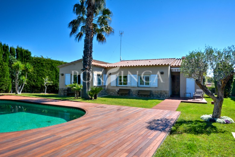 Well presented 3 bedroom Villa with swimming pool and nice views close to Calonge and Platja d'Aro.