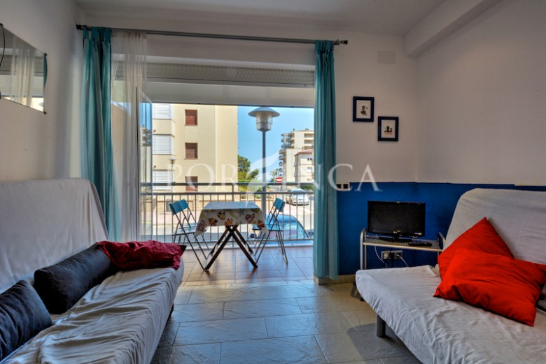 Small apartment for sale in Sant Antoni de Calonge at 100 meters from the beach.