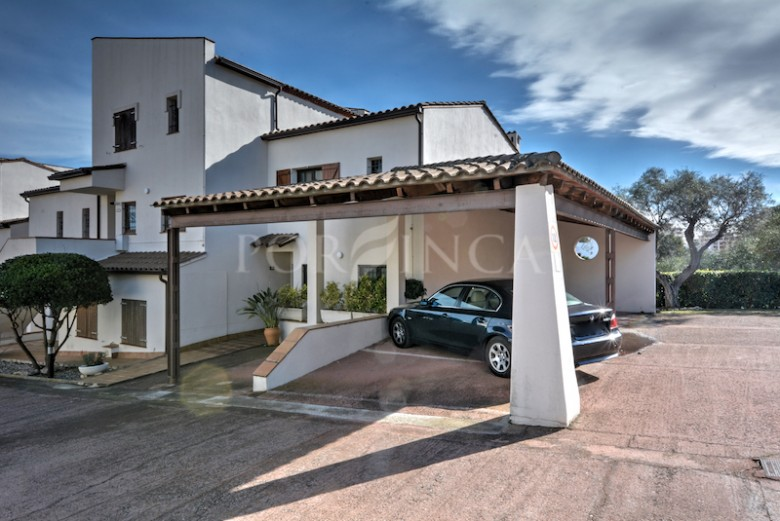 Semi detached property in residential area with community swimming pool at 1 km from the beach of Sant Antoni de Calonge