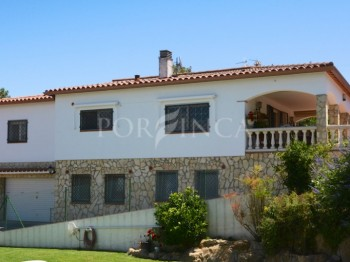 Nice villa with separate apartment and nice views in quiet area close to centre of Sant Feliu de Guixols