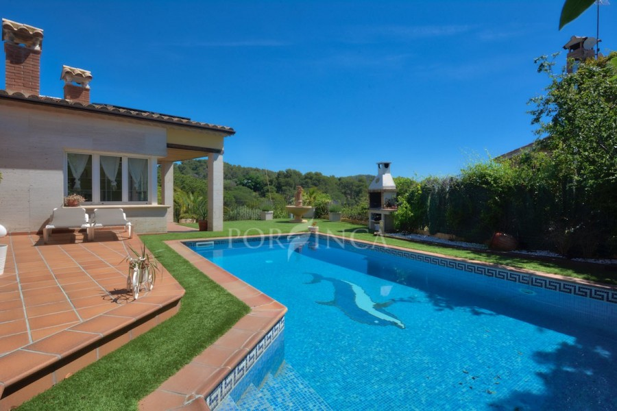 Large 4 bedroom villa close to the beach of Sant Antoni and Palamos in the residential area Puig Ses Forques