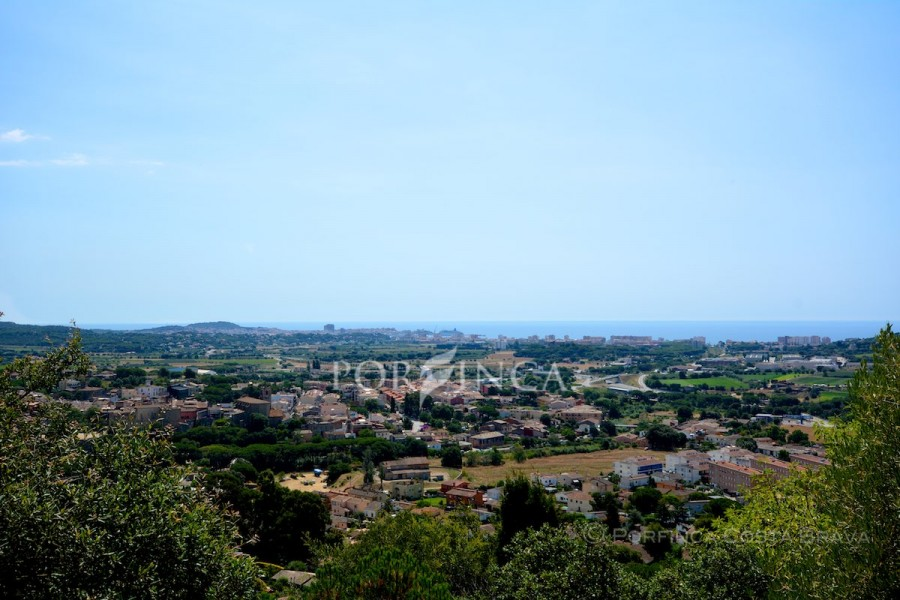 Building plot with spectacular sea view in Calonge