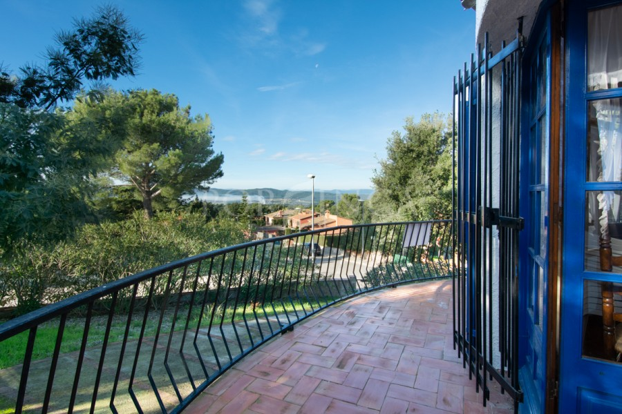 Cosy villa with 3 bedrooms and nice mountain views over the Pyrenees in Begur.