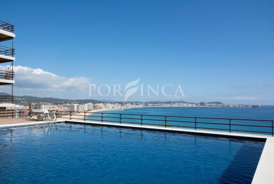 Nice apartment with south facing terrace in the Edenmar complex; 3 communal swimming pools with sea view.