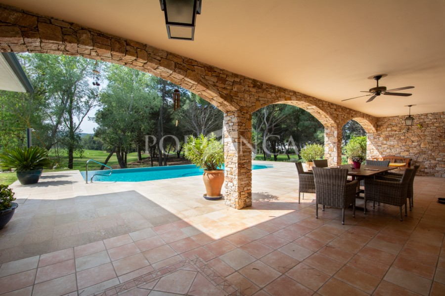 Exclusive traditional style villa in a unique position at the Golf of Pals