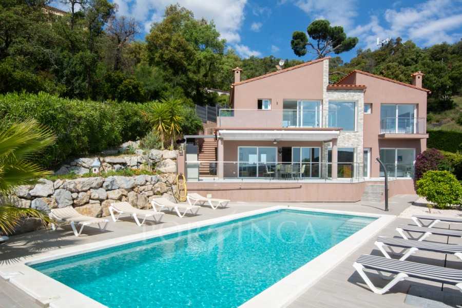 Modern 4 bedroom villa with exceptional view over the Mediterranean sea in Rio de Oro, Calonge