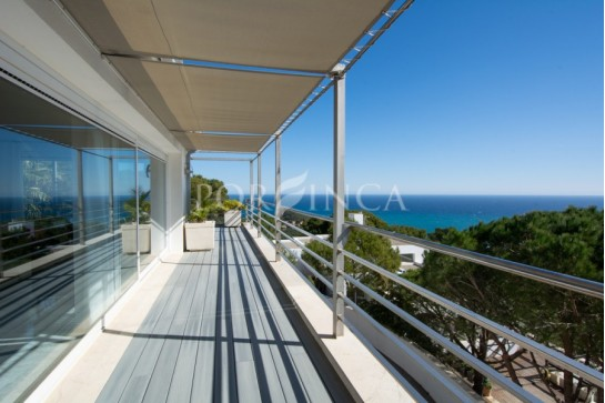 Modern villa in a unique position with spectacular sea view close to Sa Tuna in Begur.