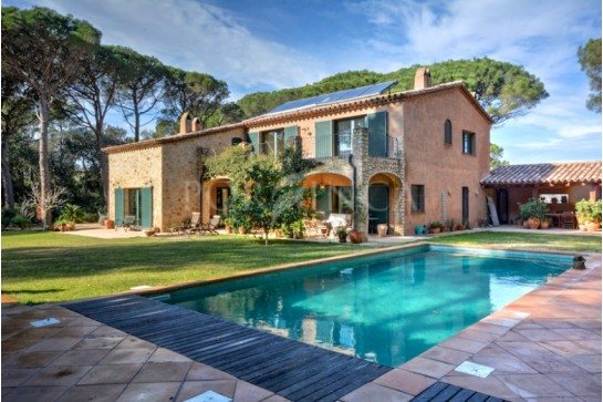 Magnificent rustic style villa on large plot close to the beach of Pals Costa Brava