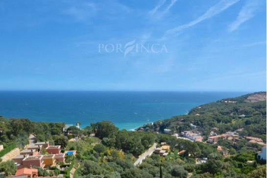 East facing building plot for sale with stunning sea view in sought after area in Begur-Sa Riera