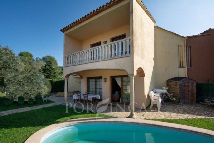 Property for sale in Esclanyà-Begur close to Palafrugell.