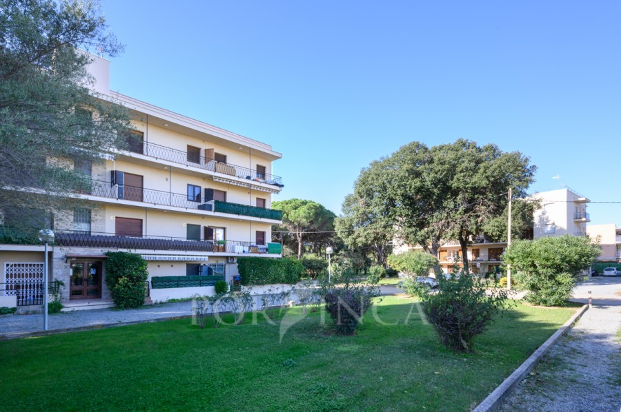 Apartment for sale with nice views at 1 km distance to the beaches of Sant Antoni de Calonge