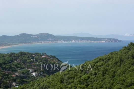Magnificent villa with stunning views over the Mediterranean sea at a unique location in Begur - Sa Riera
