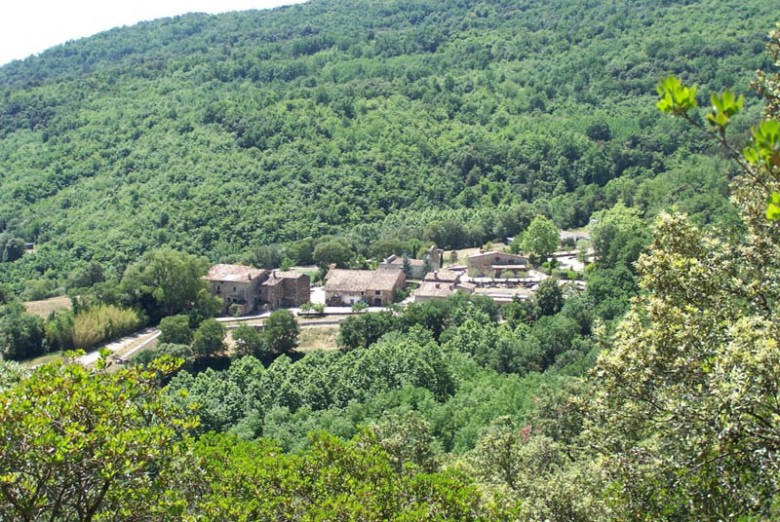 Impressive Rural village with 10 Country houses for sale near Girona.