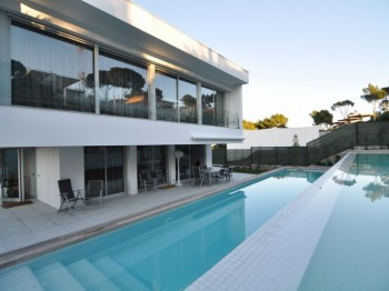 Exclusive property at walking distance from the beach of Sant Antoni de Calonge.
