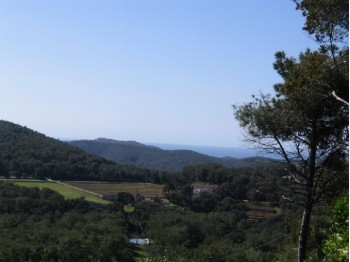 Plot with sea and mountain views in Begur