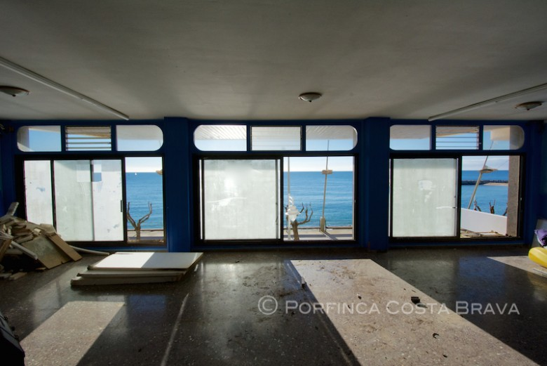 Commercial premises with apartment on the beach of Sant Antoni de Calonge