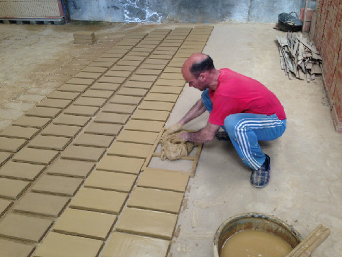 Artesanal production of Catalan Terracotta tiles